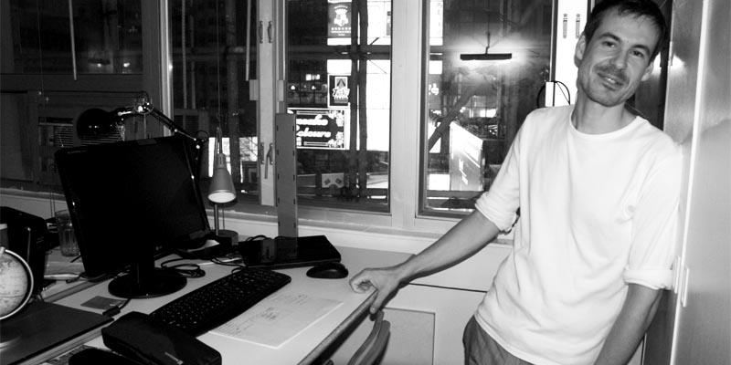 Markus in seinem Hongkonger Büro, 2009